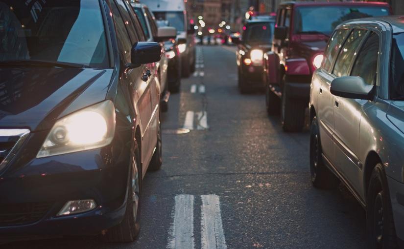 למה רכבים חשמליים מזהמים יותר מרכביםרגילים?